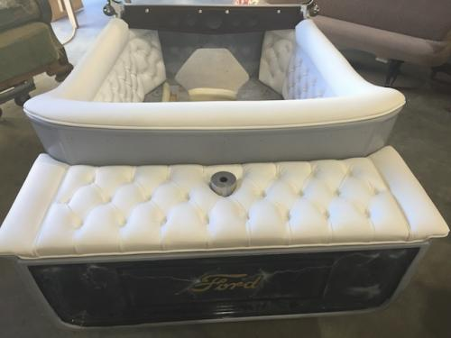 collectible-mod-rod-diamond-tufted-white